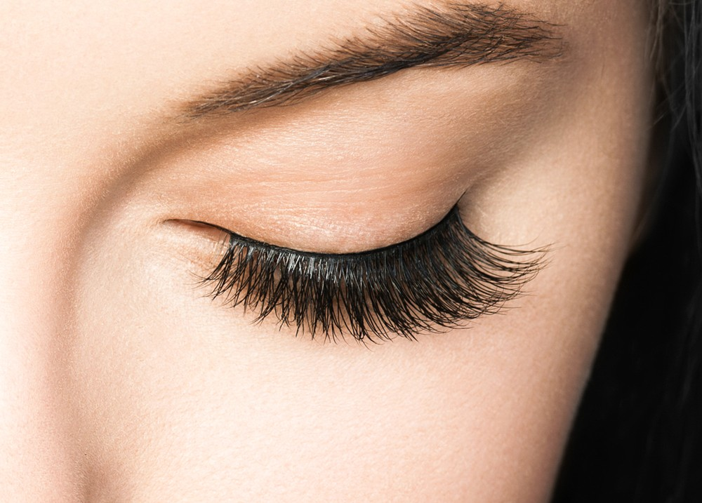 Eyelash Tinting Is the Newest Instagram Trend - But Is It Safe?